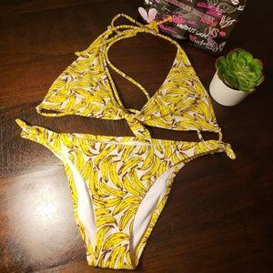 🐚 Victoria secret bathing suit banana print set